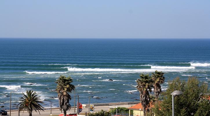 Figuera da Foz surfing